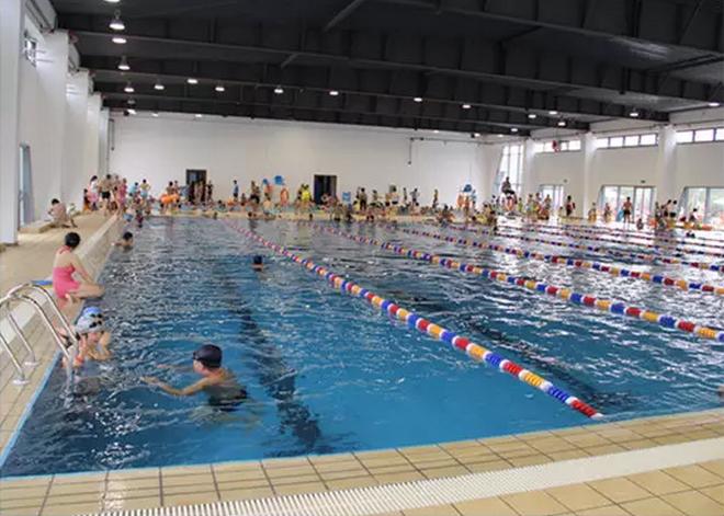 南阳市拥有室内,室外游泳池且全年开放的游泳场馆 ·室内设有儿童池